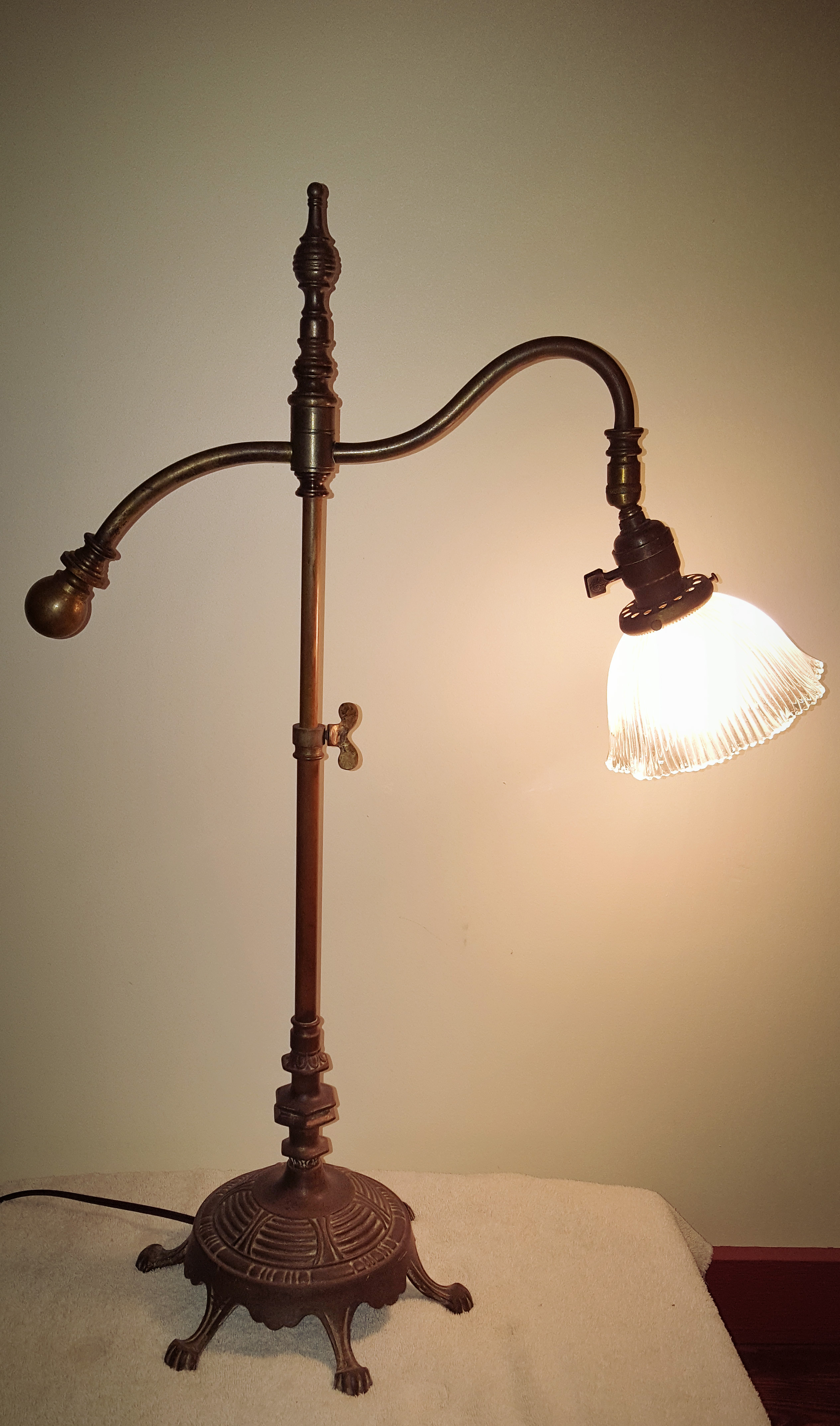 1920 S Rembrandt Based Adjustable Bridge Table Lamp With