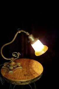 1920s pivoting piano table lamp
