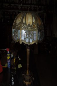 Chicago mosaic slag glass table lamp